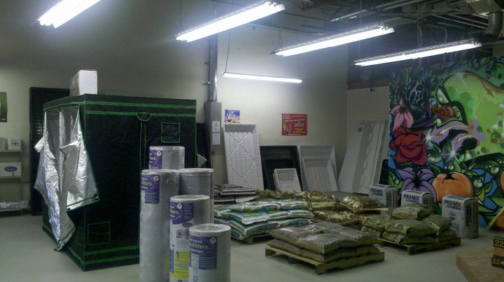 New england supply south portland me hydroponic grow shops garden centers for Garden city stores ri
