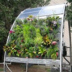Solar-powered hydro garden